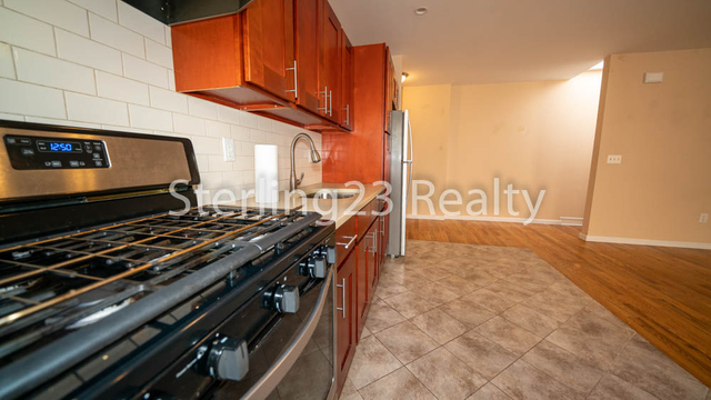 3 Bedrooms, Astoria Rental in NYC for $2,795 - Photo 1
