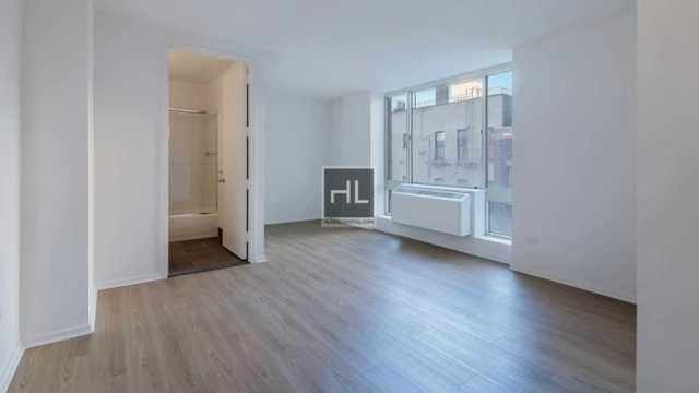 Studio, Hell's Kitchen Rental in NYC for $2,747 - Photo 2