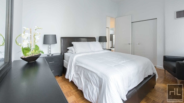 2 Bedrooms, Financial District Rental in NYC for $6,165 - Photo 2