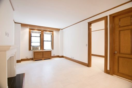 1 Bedroom, Theater District Rental in NYC for $2,953 - Photo 2