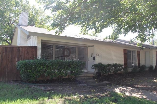 2 Bedrooms, Country Club Heights Rental in Dallas for $1,725 - Photo 1