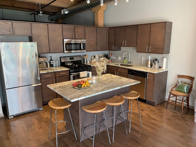 1 Bedroom, Streeterville Rental in Chicago, IL for $2,850 - Photo 2