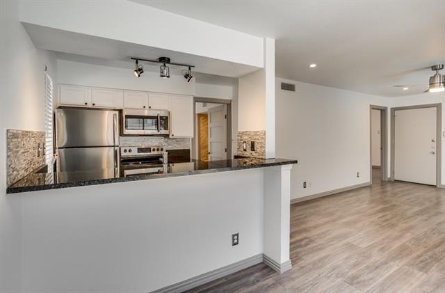 1 Bedroom, Lovers Lane Rental in Dallas for $1,200 - Photo 2