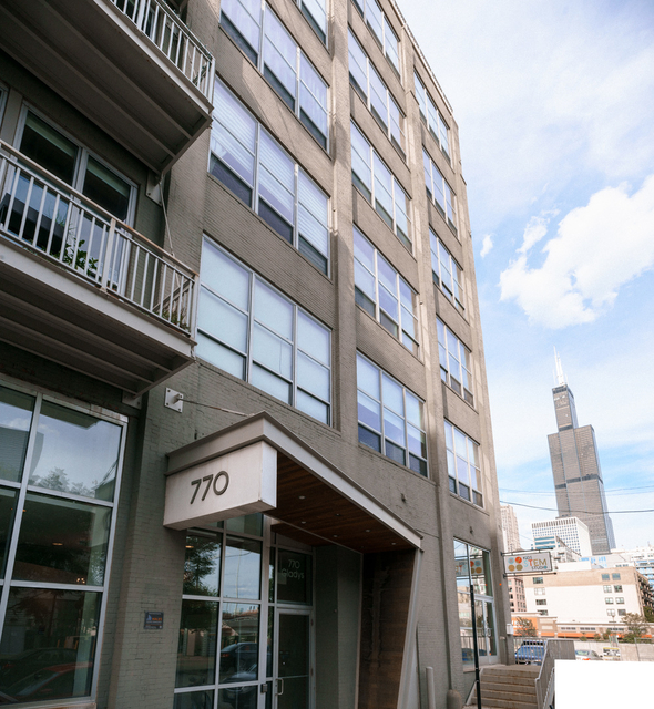 2 Bedrooms, Greektown Rental in Chicago, IL for $2,750 - Photo 1