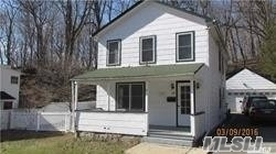 3 Bedrooms, Port Jefferson Rental in Long Island, NY for $3,100 - Photo 1