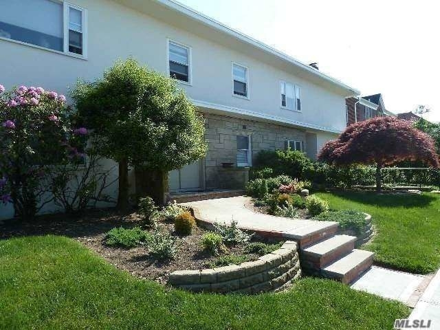 4 Bedrooms, Central District Rental in Long Island, NY for $4,600 - Photo 1