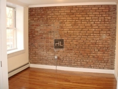 2 Bedrooms, Turtle Bay Rental in NYC for $3,329 - Photo 1