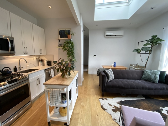 4 Bedrooms, Crown Heights Rental in NYC for $4,487 - Photo 2