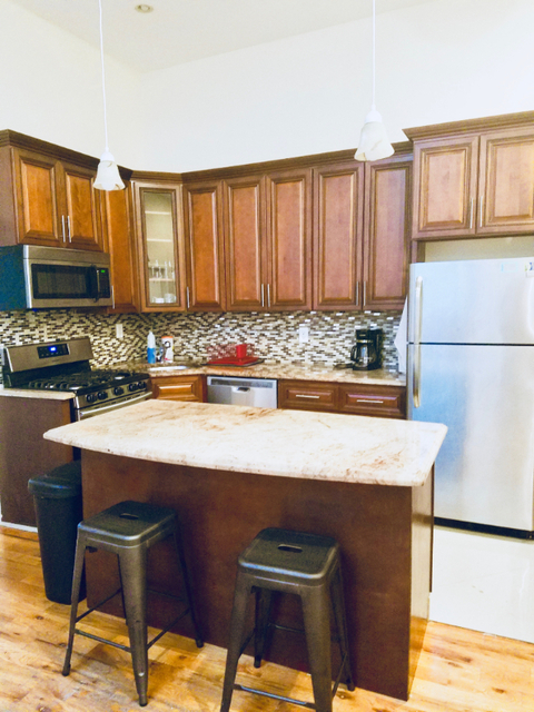 4 Bedrooms, Weeksville Rental in NYC for $3,250 - Photo 2
