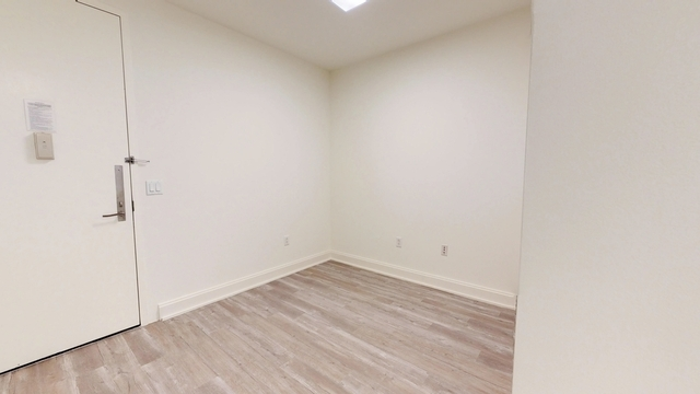 Studio, Financial District Rental in NYC for $1,895 - Photo 2