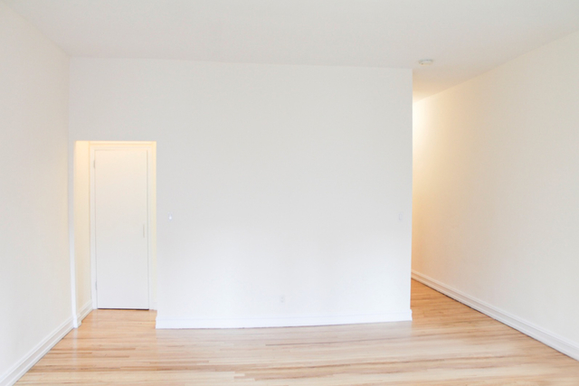 Studio, East Village Rental in NYC for $2,650 - Photo 2