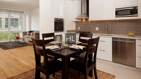 3 Bedrooms, Hell's Kitchen Rental in NYC for $8,133 - Photo 1