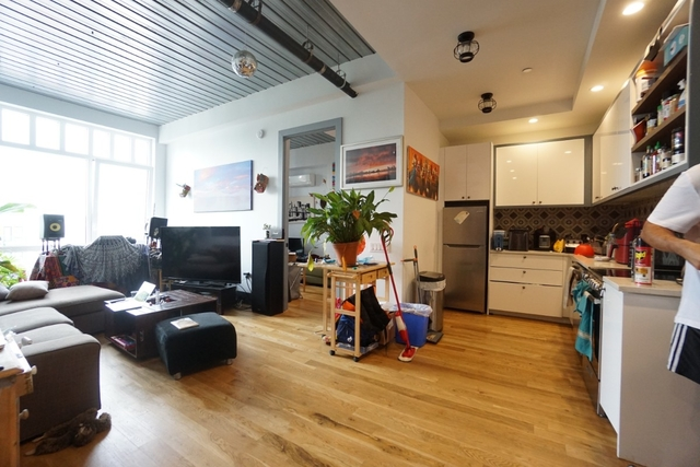 2 Bedrooms, Bushwick Rental in NYC for $3,100 - Photo 1