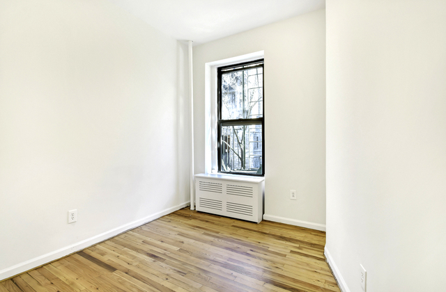 1 Bedroom, Lenox Hill Rental in NYC for $2,395 - Photo 2