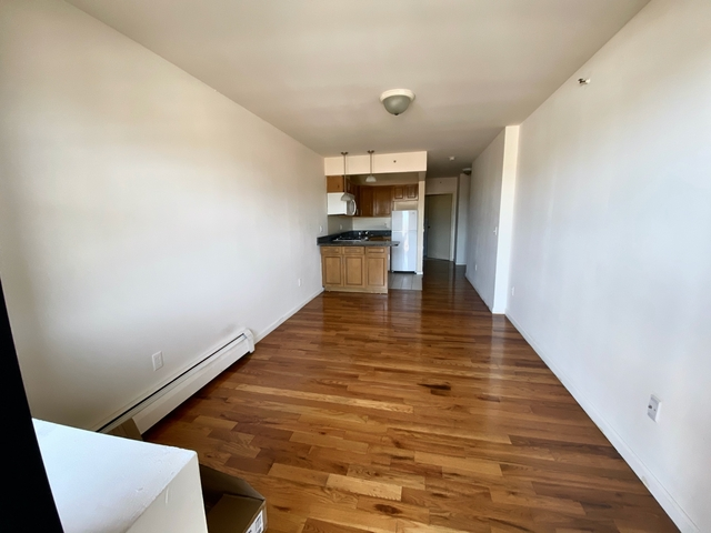 Studio, Long Island City Rental in NYC for $1,700 - Photo 2