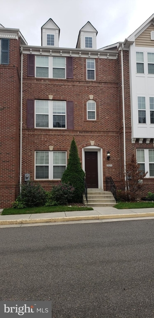 3 Bedrooms, Huntington Rental in Washington, DC for $2,999 - Photo 2