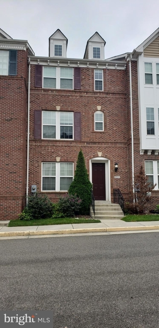 3 Bedrooms, Huntington Rental in Washington, DC for $2,999 - Photo 1