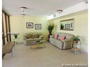 1 Bedroom, North Central Hollywood Rental in Miami, FL for $1,200 - Photo 2