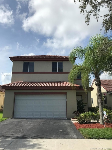4 Bedrooms, Weston Rental in Miami, FL for $3,200 - Photo 1