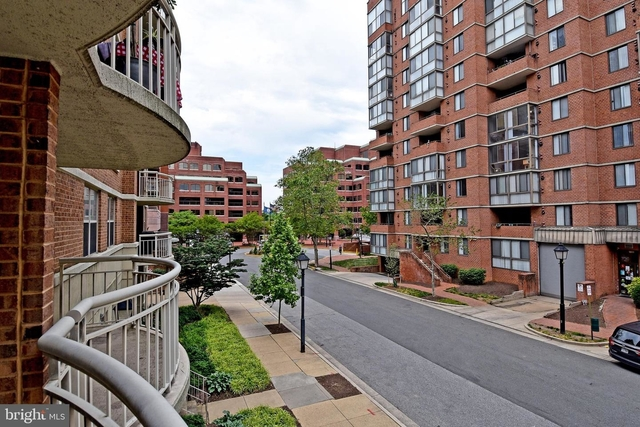 1 Bedroom, Braddock Place Condominiums Rental in Washington, DC for $1,700 - Photo 1