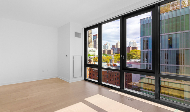 Studio, Lincoln Square Rental in NYC for $2,589 - Photo 2