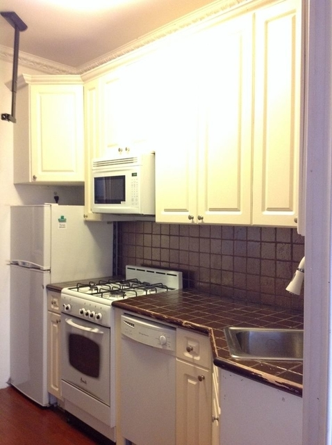 2 Bedrooms, Alphabet City Rental in NYC for $2,417 - Photo 1