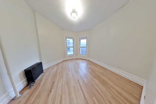 2 Bedrooms, Lincoln Square Rental in NYC for $3,200 - Photo 2