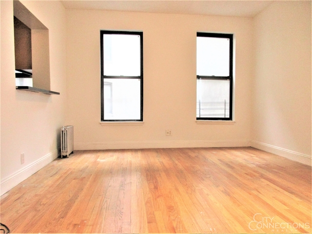 3 Bedrooms, Hell's Kitchen Rental in NYC for $4,120 - Photo 1