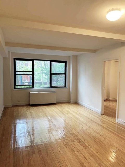 2 Bedrooms, Tudor City Rental in NYC for $3,075 - Photo 1