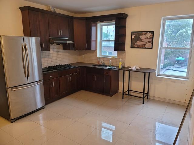 4 Bedrooms, Astoria Rental in NYC for $3,000 - Photo 1