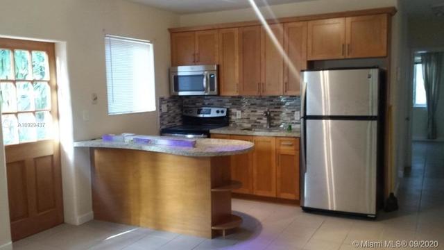2 Bedrooms, Northeast Coconut Grove Rental in Miami, FL for $2,000 - Photo 2