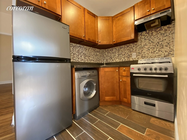 3 Bedrooms, Hell's Kitchen Rental in NYC for $2,565 - Photo 1