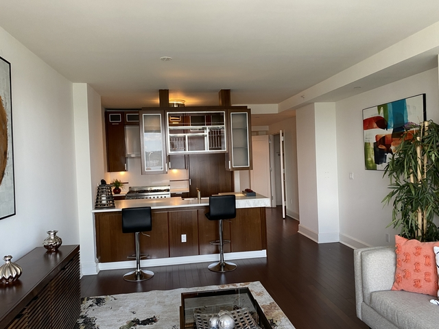 2 Bedrooms, Lincoln Square Rental in NYC for $6,435 - Photo 2