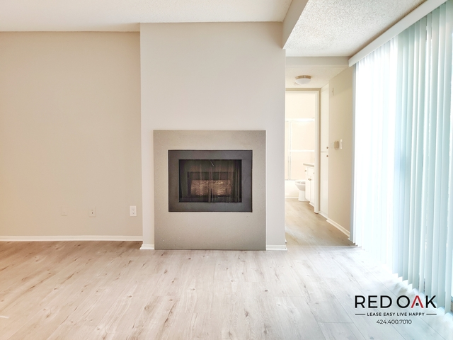 2 Bedrooms, Hollywood United Rental in Los Angeles, CA for $2,695 - Photo 2