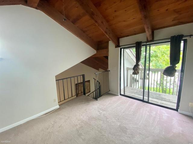 2 Bedrooms, Jacaranda Rental in Miami, FL for $2,300 - Photo 2