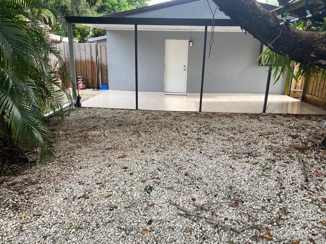 1 Bedroom, North Central Hollywood Rental in Miami, FL for $1,000 - Photo 2