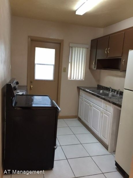 3 Bedrooms, West Park Rental in Miami, FL for $1,700 - Photo 2