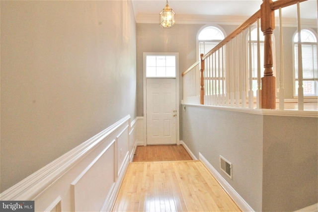 3 Bedrooms, The Vintage at Tower Oaks Rental in Washington, DC for $3,150 - Photo 2
