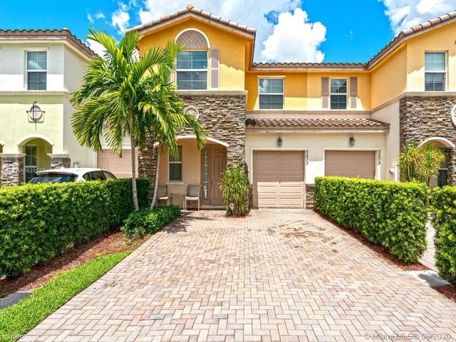 3 Bedrooms, Davie Rental in Miami, FL for $2,550 - Photo 1