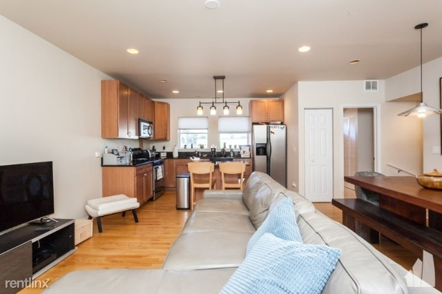 3 Bedrooms, The Gap Rental in Chicago, IL for $3,400 - Photo 1