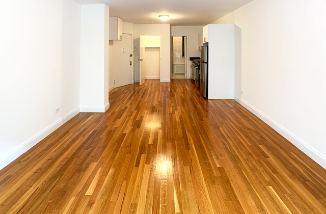 Studio, Yorkville Rental in NYC for $1,708 - Photo 2
