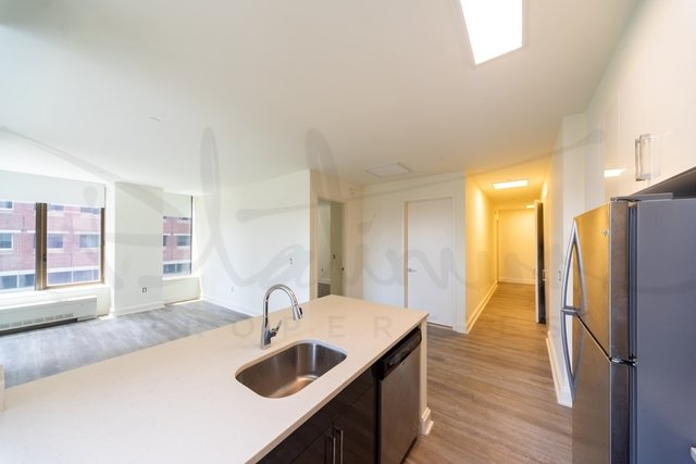 2 Bedrooms, Financial District Rental in NYC for $4,274 - Photo 2