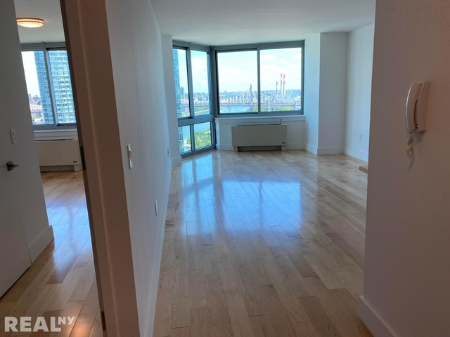 1 Bedroom, Hunters Point Rental in NYC for $2,700 - Photo 1