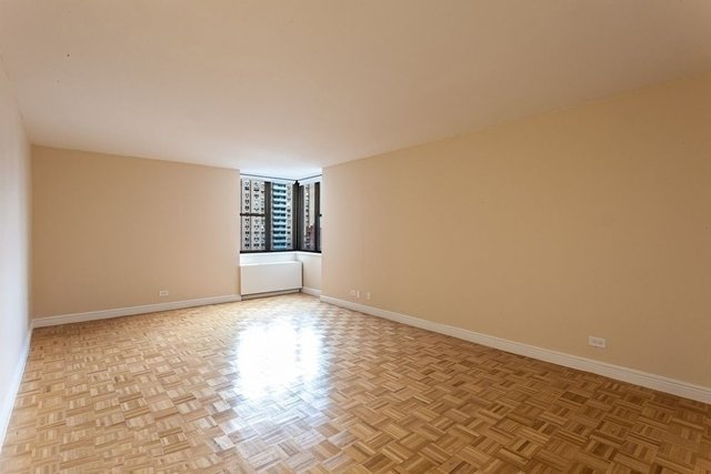 Studio, Yorkville Rental in NYC for $2,425 - Photo 1