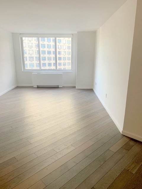 Studio, Hell's Kitchen Rental in NYC for $2,920 - Photo 1