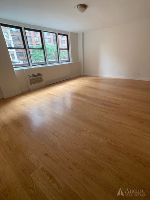 Studio, Yorkville Rental in NYC for $2,695 - Photo 1