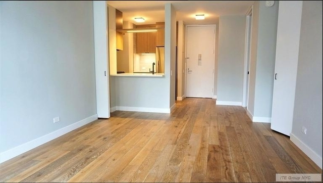 Studio, Hell's Kitchen Rental in NYC for $2,510 - Photo 2