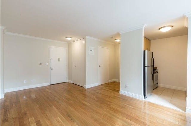 Studio, Theater District Rental in NYC for $2,700 - Photo 2