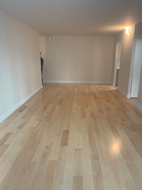 2 Bedrooms, Hell's Kitchen Rental in NYC for $3,585 - Photo 2