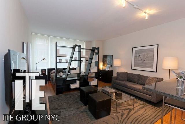 Studio, Garment District Rental in NYC for $2,465 - Photo 2